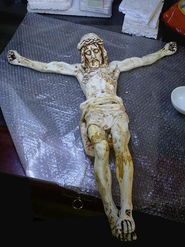 Cristo crucificado, proceso de restauración.