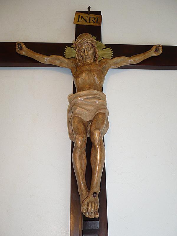 Cristo crucificado restaurado.