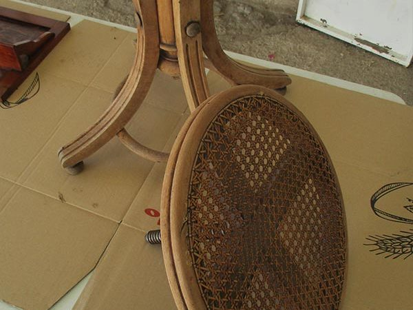 Restauración asiento de piano.